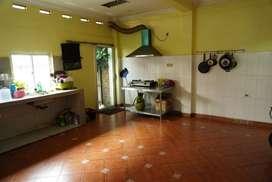 Dapur bersama tempat usaha di kompleks Cikoko Barat Jakarta Selatan