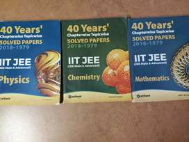 Arihant 40 years chapter wise solved papers (phy, chem and math)
