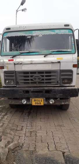 TATA Eighteen wheeler truck trailor