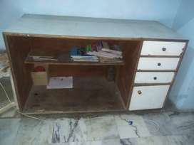 Shop counter for sale in Rs 5500