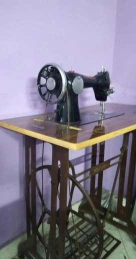 MERITT SEWING MACHINE