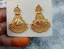 Earrings gold finishing