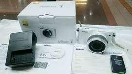 Kamera Mirrorless Nikon S1 putih mulus komplit mantap murah aja