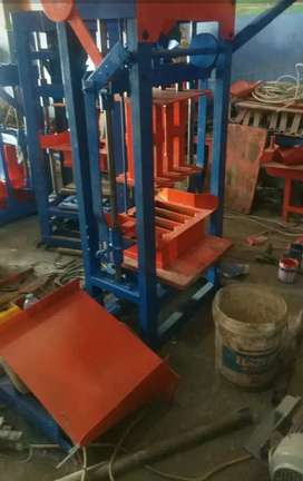 Mesin press bataco paving Ready