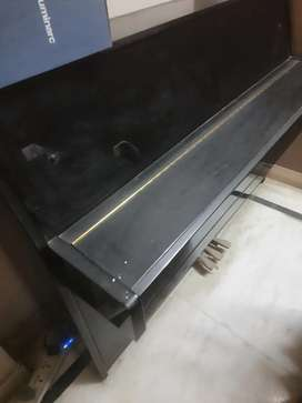 Acoustic piano  yamaha