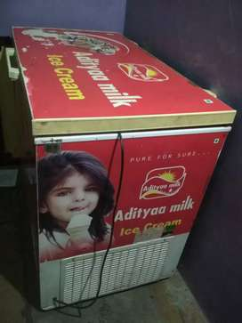Deep fridge 300 Lir