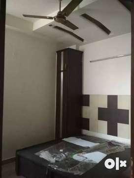 Prime location me, 2 bhk builder floor on rent Inindirapuram,