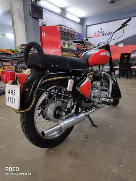 Royal Enfield Old Bullet with old series fancy number
