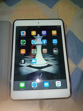 """Apple ipad mini 32gb 7.9"""" Working Condition with leather flip cover"""