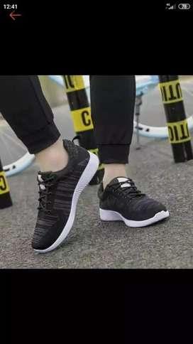 Sepatu sport pria & Wanita