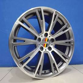 Nancy HSR ring 18x8/9 hole 5x112 et 35 Surakarta