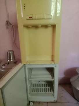 ( Voltas / Water Dispenser ) For Sale