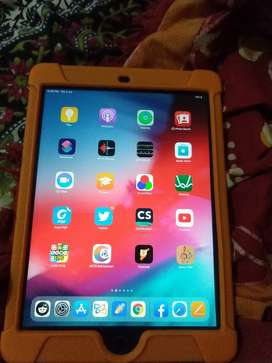 Apple iPad 6 generation. Wifi 32gb