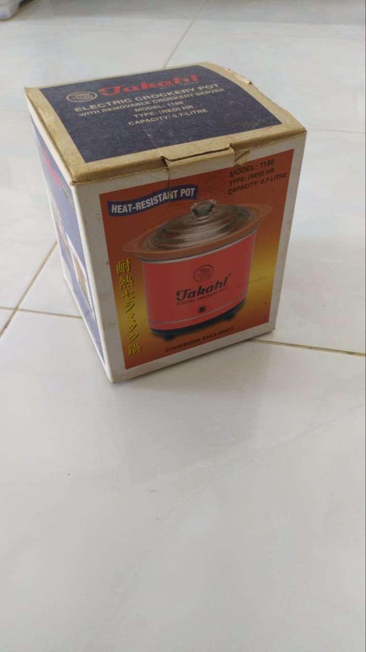 Takahi Electric Crockery Pot (Slow Cooker) 0