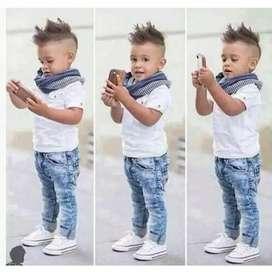 Stelan kemeja lengan pendek dan celana jeans anak laki-laki