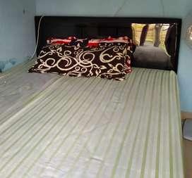 Tempat tidur dan spring bed