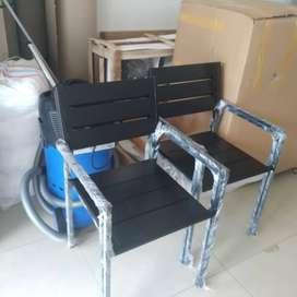 Meja dan Kursi Besi Outdoor 1 set