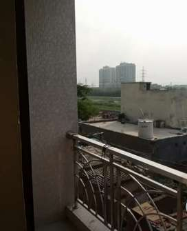 2 BHK FLATS FOR RENT WITH BED AND ALMIRA
