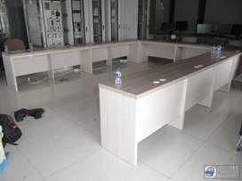 Meja Rapat Conference Table Bahan Multiplek HPL (harga permeter)