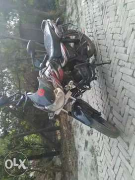 Bajaj discover 100cc in good condition.