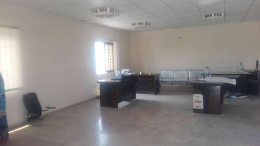 I.9 warehouse 17000 sq ft available for rent 0