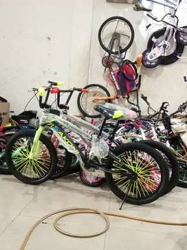 Kami menjual sepeda BMX ukuran 20