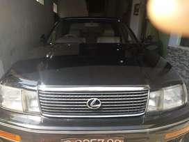 Sedan lexus ls 400 .. Mobil mewah dijamannya