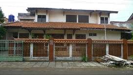 Rumah tua di lokasi strategis & tenang Jl Cempaka Putih Tengah XXVII C