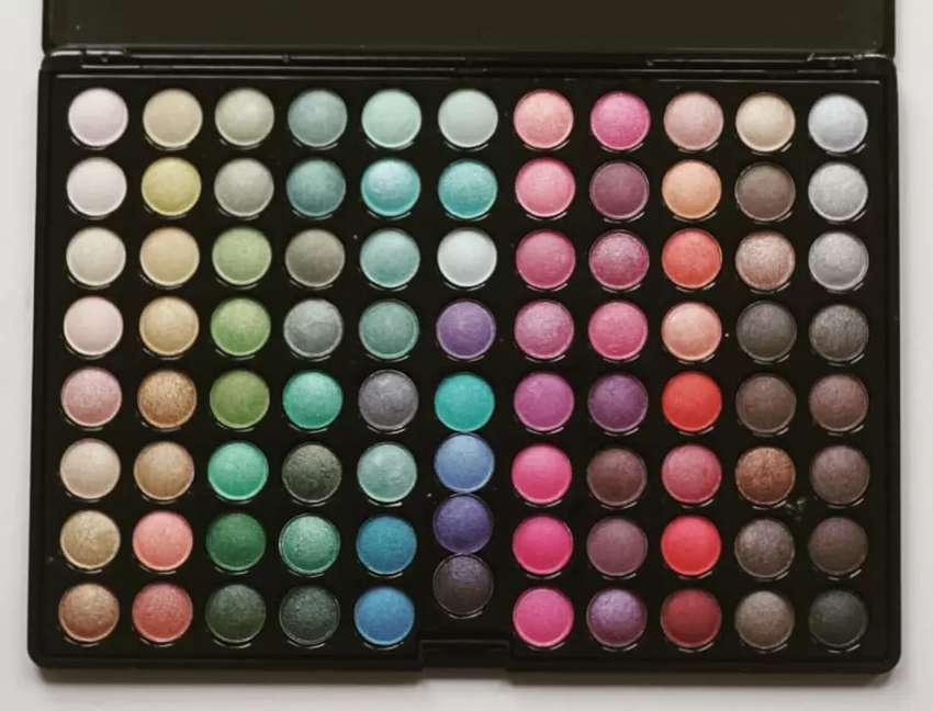 Eyeshadow kualitas Setara MAC