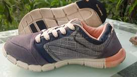 Sepatu Second impor