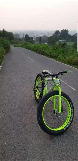 Fat bike with original shimano gears
