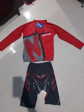 1 set jersey sepeda Shimano original size xl/3L blm pernah dipakai.