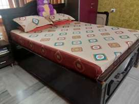 5×6 cot with bed..box type cot
