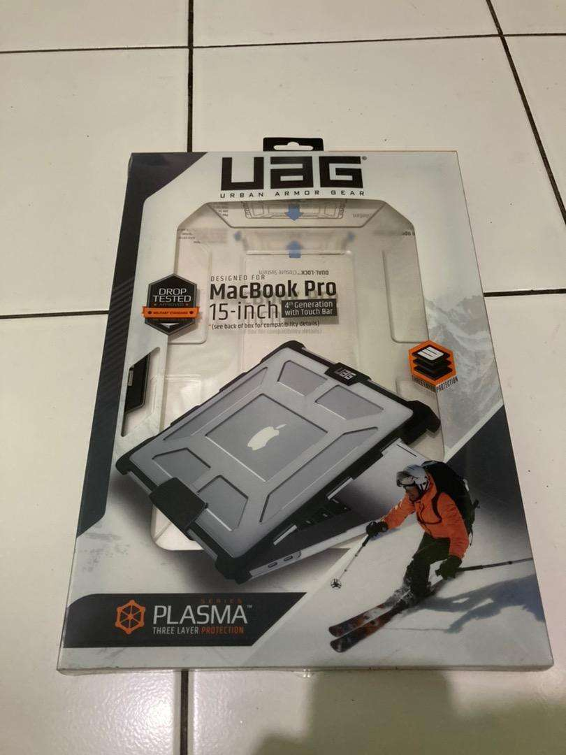 UAG Macbook Pro 15 inch touch bar 0