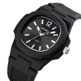 Jam tangan Analog Pria SKMEI Silikon Strap