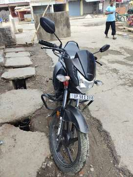 Honda live new condition urgent money problam