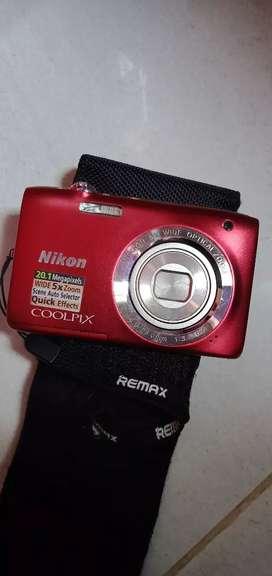 Camera NIKON COOLPIX S2800