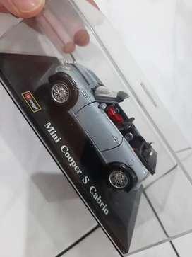 Miniatur Mini Cooper S Cabrio 1/32 Bburago warna abu2