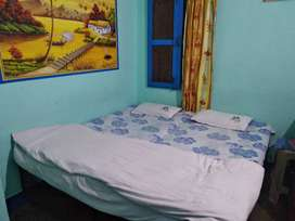 2 Bes with space and matress free