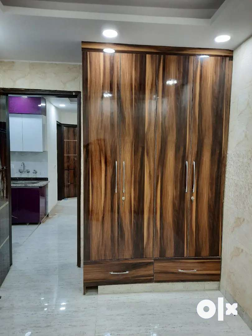 Semifurnished 1bhk flat available for rent near metro in 15k only