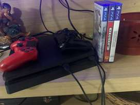 Ps4 slim 500gb + 2 controllers + 3 games