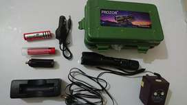 Prozor super bright power torch light Zoom in & out Imported