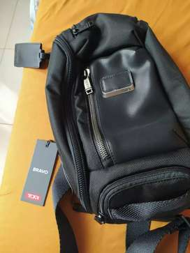 Sling bag kelley tumi
