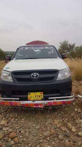 Toyota hilux 2010  color hard blue good condition
