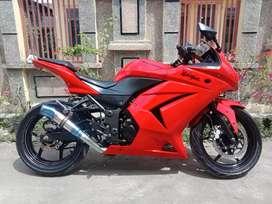 Kawasaki Ninja 250 tahun 2012 kondisi sehat dan mulus pajak,plat hidup
