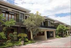 Rumah Mewah dalam Perumahan Elit di Jalan Palagan cocok Hunian