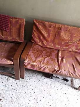 SELLING  GODREJ 4FT STEEL TABLE AND WOODEN FURNITURE.