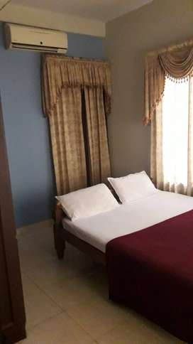 Fully Furnished Apartment for rent - 3BHK- walk distance Gurvayrtemple