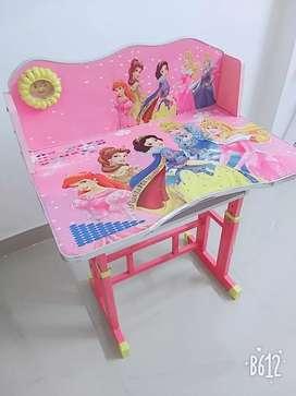 Kid's study table