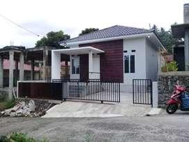 Rumah baru , harga rumah lama , pemilik butuh uang